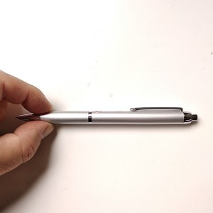 Penna con registratore audio digitale nascosto